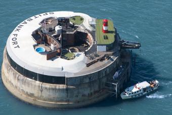 Eladó egy mesterséges luxussziget Anglia partjainál