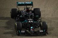 F1: Hivatalos, Hamilton visszatér 1
