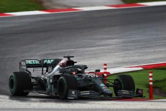 F1: Kaotikus győzelmet aratott és világbajnok lett Hamilton Törökországban