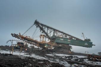 A 6500 tonnás lépegető bányagépnél nem látsz ma látványosabbat