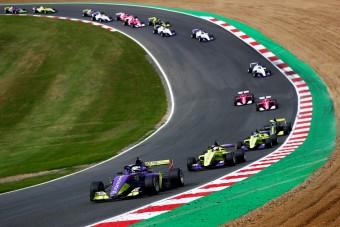 F1: Tárt karokkal várják a női mezőnyt Szaúd-Arábiában