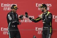 F1: Ricciardónak fenséges volt a cipőjéből itatni Hamiltont 1