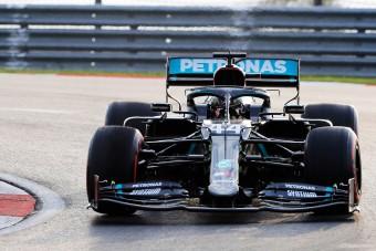 F1: Meglepő sztárigazolásra készül a Mercedes