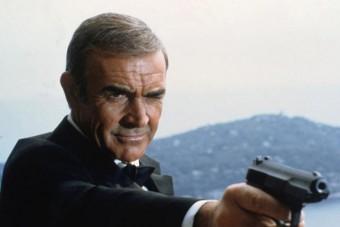 Elárverezik Sean Connery James Bond-pisztolyát