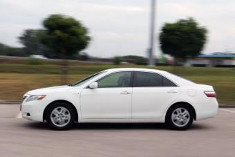 Ez a hibrid Toyota jobb vétel a Priusnál?