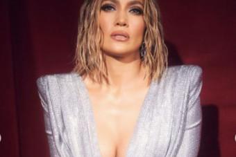 Az 51 éves Jennifer Lopezről olyan művészi aktok készültek, hogy bennakadt a levegő