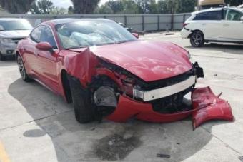Nézni is fáj, hány Porsche Taycan tört már össze eddig