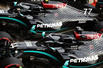 F1: Jövőre is marad a fekete Mercedes