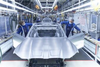 Így lesz egy halom alkatrészből M3-as BMW