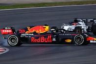 F1: Hamilton leszarozta a csúszós török aszfaltot 2