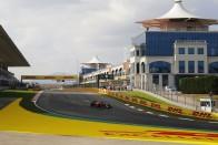 F1: Hamilton leszarozta a csúszós török aszfaltot 1