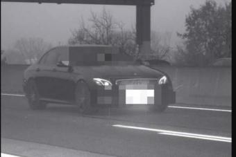 Akár börtönbe is kerülhet a 244 km/órával gyorshajtó Mercedes sofőrje