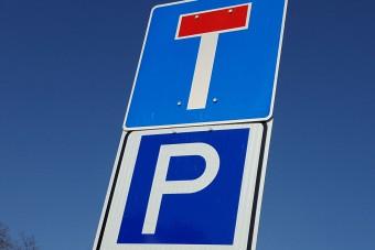 Nem kell az autósoknak az ingyenes éjszakai parkolóhely