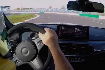 Ez az utcai BMW gyorsabb, mint egy verseny-Porsche