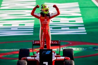 Schumacher a bajnok az F1 előszobájában