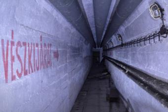 Így néz ki egy elhagyott, titkos magyar katonai bunker belülről