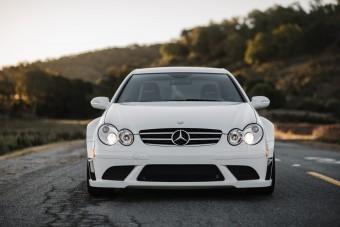 Még ma is közel 30 milliót ér a kétezres évek egyik legerősebb Mercedese