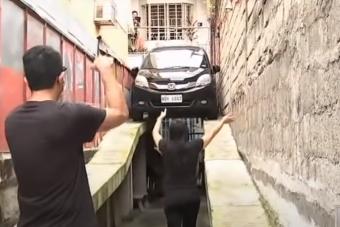Lehetetlen helyre épített parkolóhelyet egy leleményes 78 éves mérnök