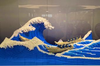 Az egyik leghíresebb japán művészeti alkotást építették meg LEGO-ból