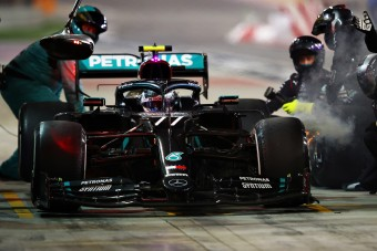 Mercedes: Ezt nagyon elb*sztuk!