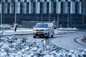 Önjáró kisbuszok szállítják az utasokat a norvég fővárosban