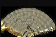Egy dollárért hozat kőzetmintát a Holdról a NASA 1