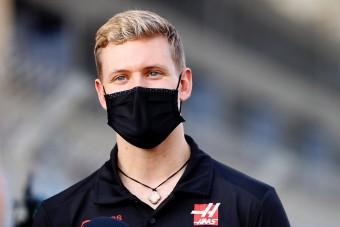 Eldőlt, ez lesz a kis Schumi rajtszáma az F1-ben