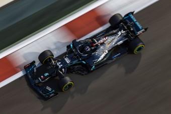 F1: Russell elrontotta Hamilton Mercedesét