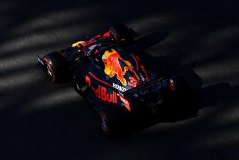 F1: Nem kezdett jól a visszatérő Hamilton