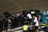 Hivatalos: Lovaggá ütik Lewis Hamiltont 2