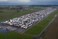 Alig volt pozitív eset az Angliában feltorlódott kamionosoknál 1