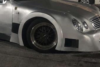 Szemgolyóba hasító jégszilánk ez a Mercedes tuning