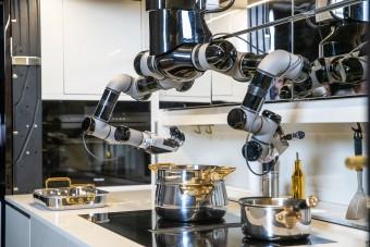Ebédet főz és el is mosogat az otthoni konyhai luxusrobot