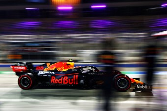 F1: Albonnak a kispad marad, ha kirúgják