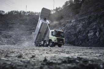 Már 10 éves a Volvo nehéz terepe szánt teherautója