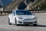 Közel félmillió autót adott el tavaly a Tesla 1