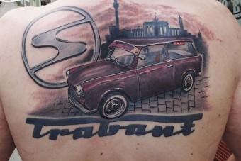 A keményvonalas Trabant-rajongók a bőrükön viselik kedvencüket