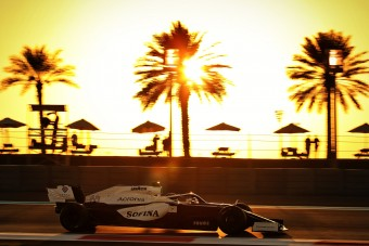 F1: Furcsának találja régi-új autóját Hamilton helyettese