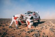 Peterhansel átvette a vezetést a Dakaron 1