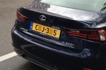 Egy magyar autós három éve kap bírságokat a húsz évvel ezelőtt eladott kocsijára