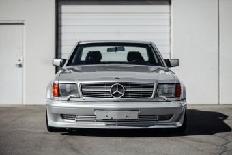 Ütős Mercedes csúcskupé az 1980-as évek végéről