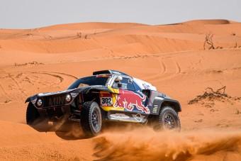 Továbbra is Peterhansel vezeti a Dakart