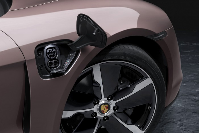 Porsche Taycan's range expands downwards 2