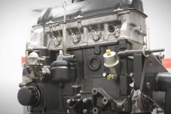 Nem csak ladásoknak élmény látni ahogy ez a 2106-os motor feltámad