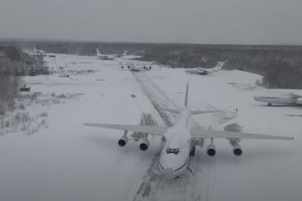 Ritka látvány, ahogy ez a hat orosz óriásrepülő egymás után felszáll