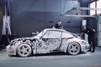 Ennyire lesz makulátlan egy autó, amit 150 órán keresztül suvickolnak
