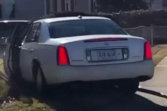 Azt hitte, rendőrök elől menekül, de csak kinevették a balesetező autóst