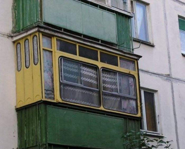 Unconscious of what these Russian balconies hide 5