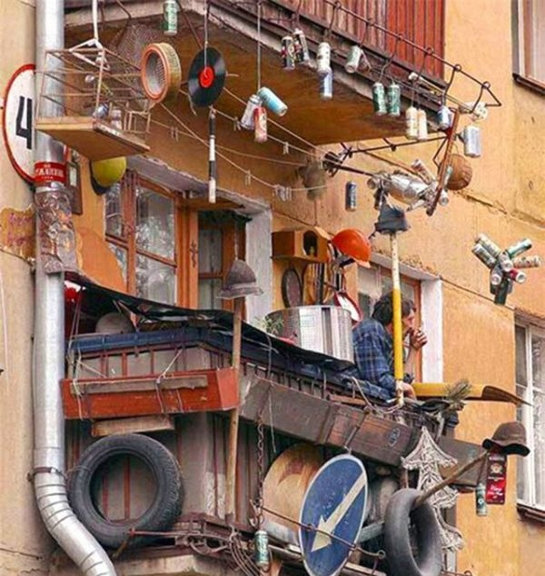 Unconscious of what these Russian balconies hide 6