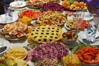 Így néz ki az orosz ünnepi asztal újévkor